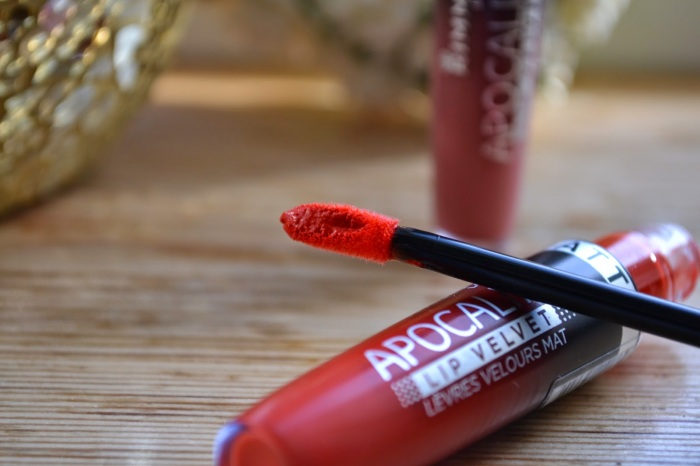 Rimmel Apocalips MATTE Lip Velvet in Atomic Rose and Orange-Ology (4)