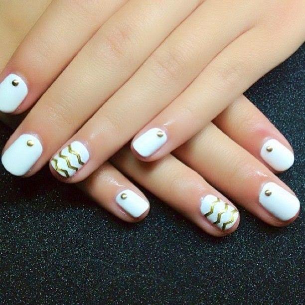 Uñas-blancas-1.jpg